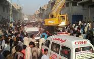 巴基斯坦一仓库屋顶坍塌