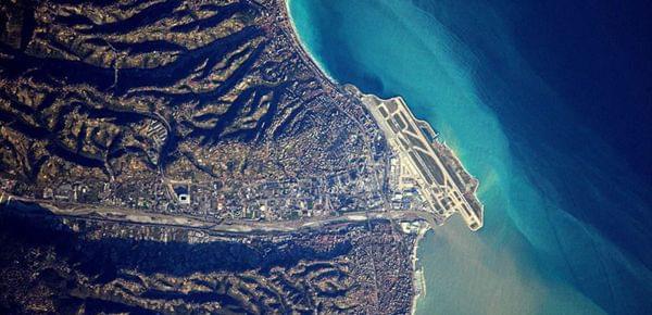 空间站视角!法宇航员震撼拍摄全球机场
