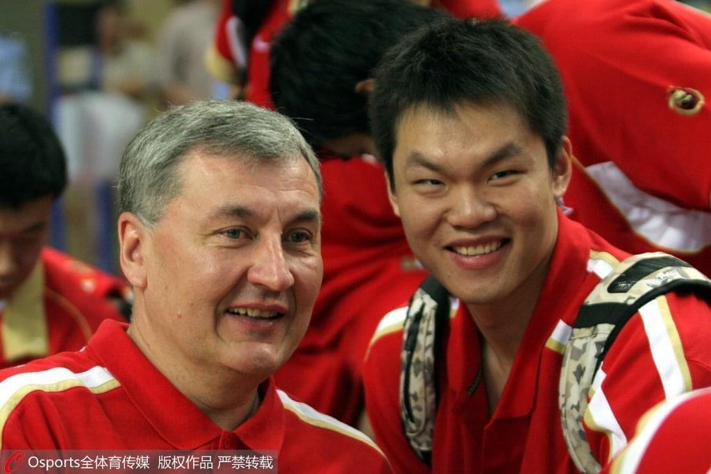 尤纳斯两助男篮进奥运八强 率广东夺队史第8冠