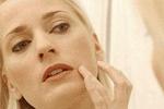 秋季皮肤容易干燥 适当按摩可护肤