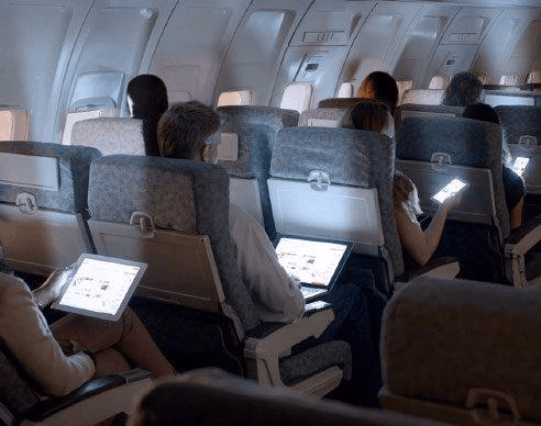 中国解封在飞机上使用便携式电子设备禁令
