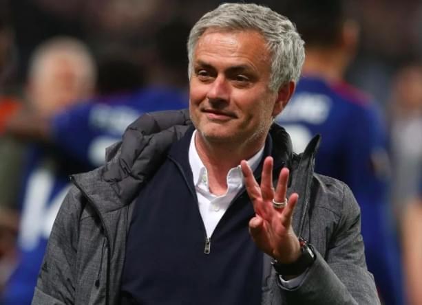 曼联高层确信穆帅不会去巴黎 加薪续约欲长留狂人