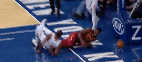 【影片】可怕!Jeff Green倒地誤遭對手壓腿 小刺客抱怨吃T
