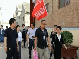 """闻喜县开展""""幸福工程救助贫困母亲""""活动"""