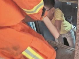 被困电梯手机停机 姐弟俩利用紧急呼叫功能求助