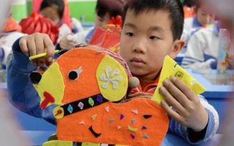 邯郸:小学生自制低碳花灯迎元宵