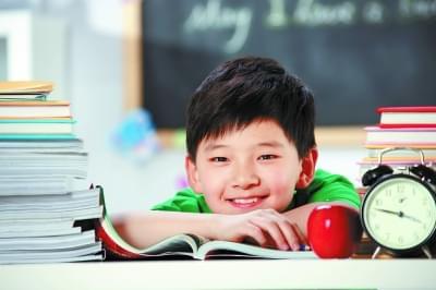 家长给孩子批改作业 真的好吗