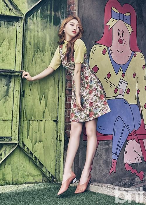 韩国歌手金请夏拍bnt写真 散发感性魅力