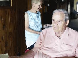 调查称越来越多美国老年人生活贫困 从不用互联