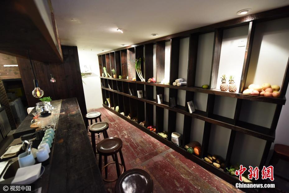 """杭州现""""奇葩""""书店 摆满果蔬只卖2本书"""