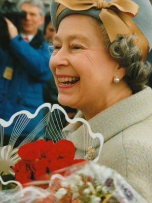 这位摄影师自掏腰包拍英国皇室50年了