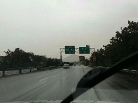 原平到石岭关\董村到豆罗枢纽段阵雨 路面湿滑