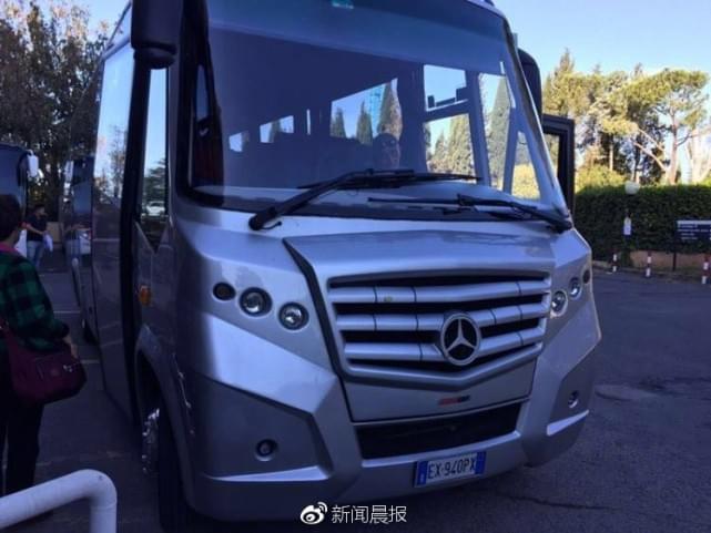 上海一16人旅游团刚到欧洲 整团人行李护照被盗窃