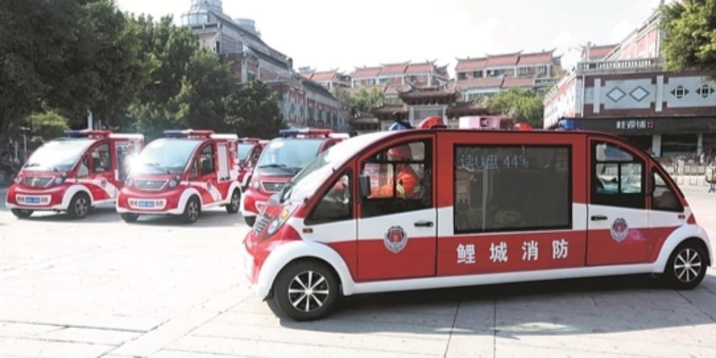 双排电动微型消防车首现泉州 遇小巷进退自如