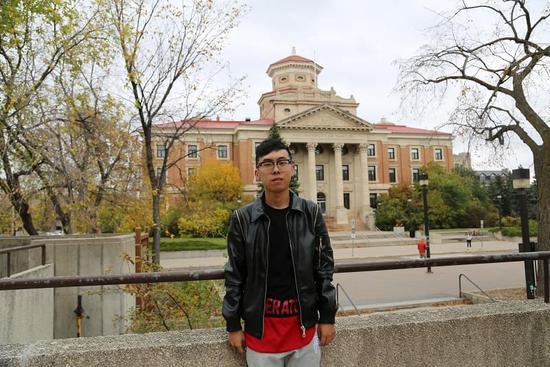 尚宇聪在曼尼托巴大学校园