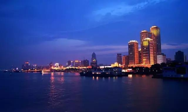 这个城市1400人里就有一个千万富翁,房产绝非创富唯一途径