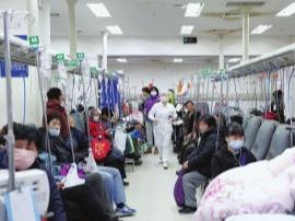 寒潮下的上海夜急诊:医生连上30小时班很正常
