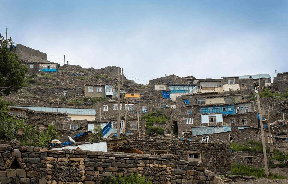 村庄在海拔2千多米的山上 村民称自己是诺亚后裔