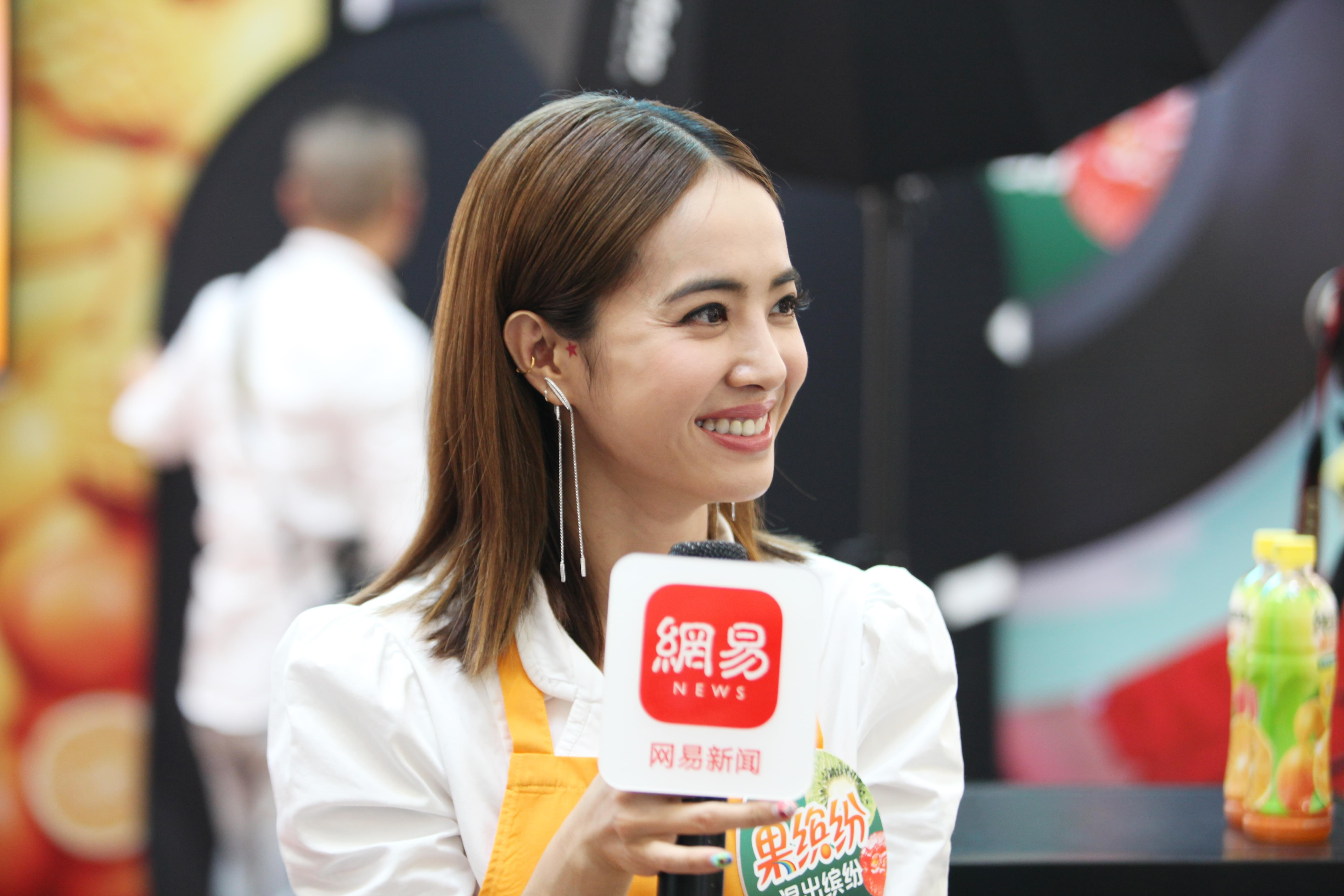 蔡依林专访:自拍以自己漂亮为主!