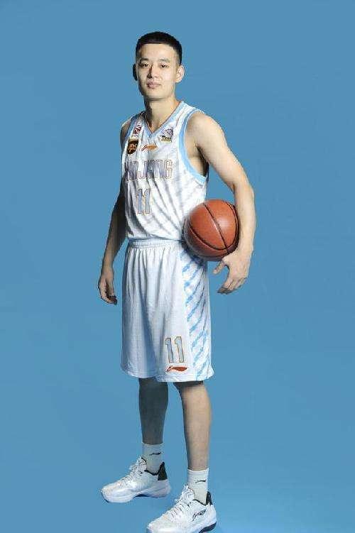 四川官宣新疆21岁小将加盟 夏天曾入选男篮红队