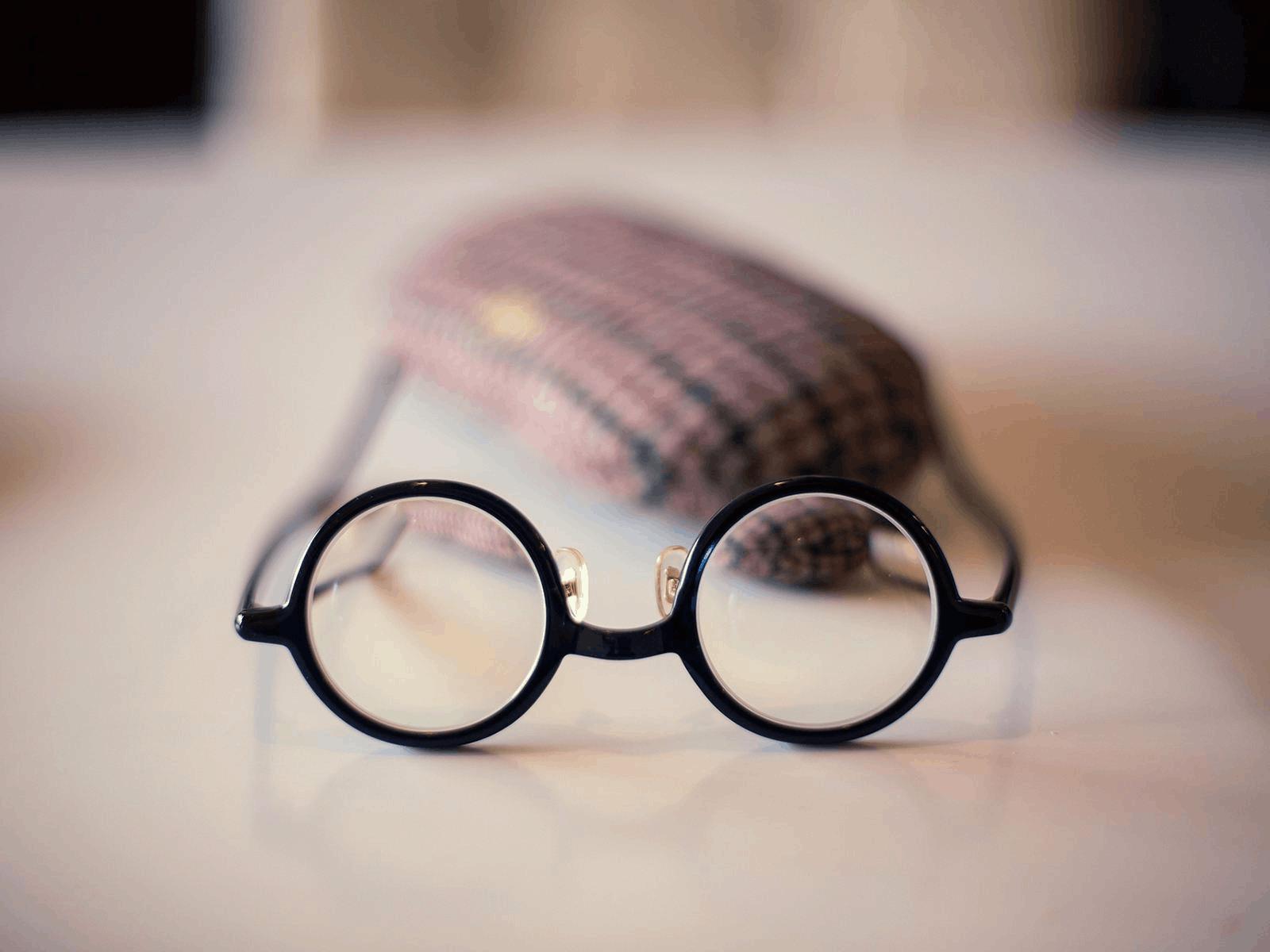 """你的眼镜戴了多久?超期""""服役""""太伤视力"""