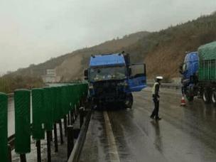 忻保高速芦芽山至杨家湾段 全线小雨 路面湿滑