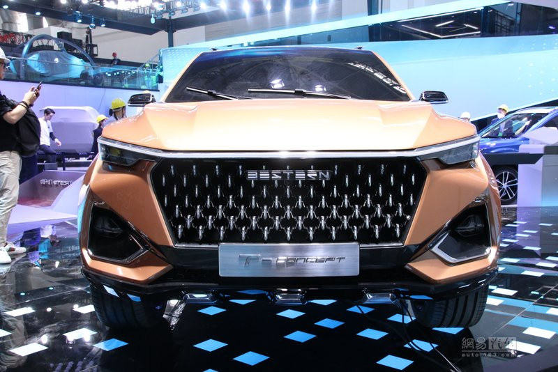 年内量产上市 奔腾T77概念车展前亮相