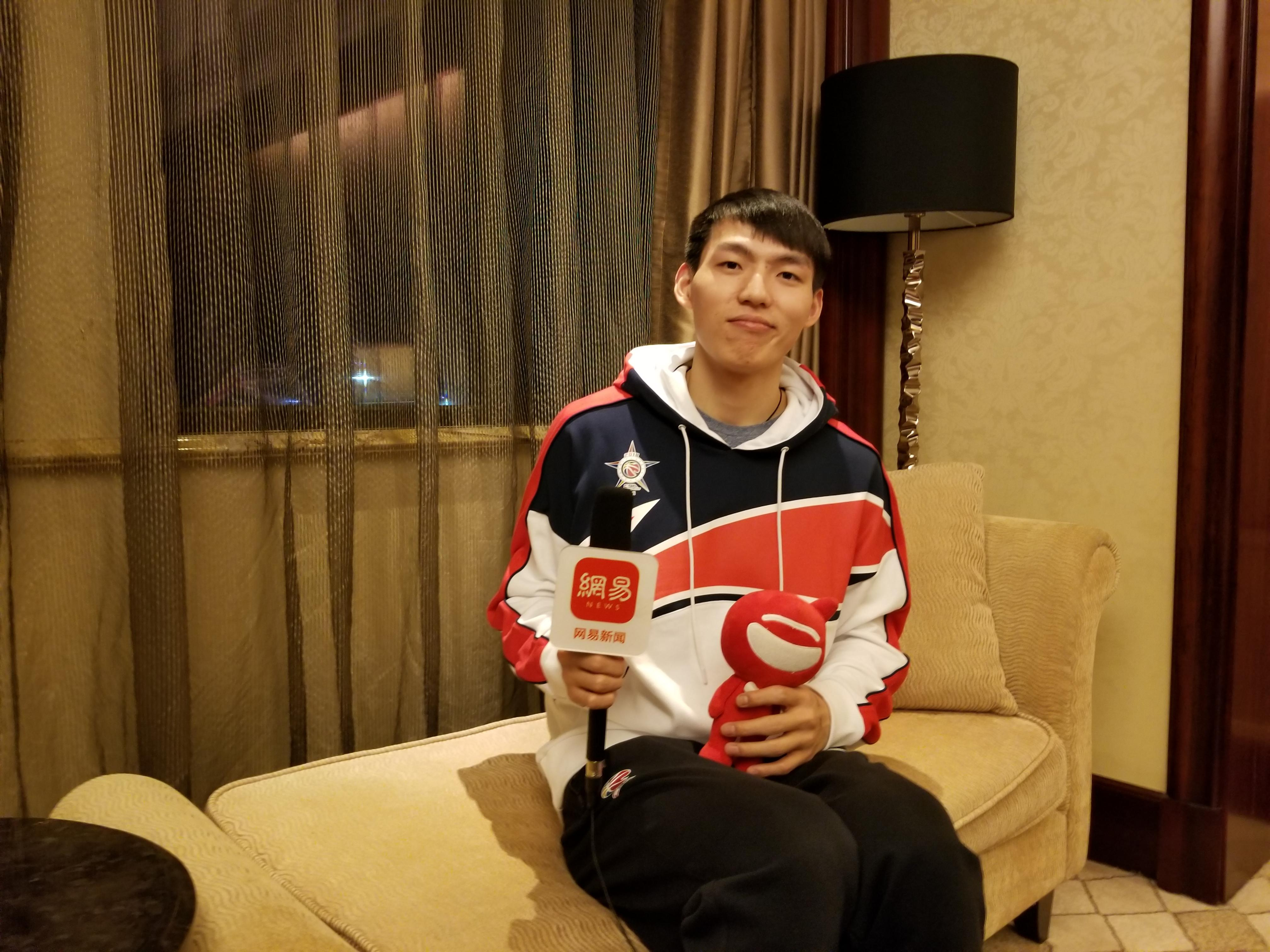 专访吴前:自信心来自队友支持 闲暇时也爱吃鸡