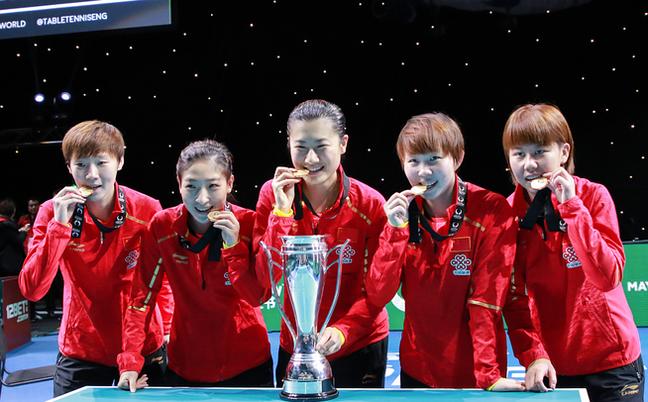 女乒豪夺世界杯八连冠
