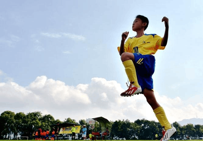 惠州教育局:足球列入体育课教学 发展青少年校园足球