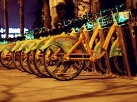 """""""公共自行车""""一直有,为什么""""共享单车""""火了?"""