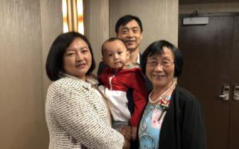 自学英文 77岁华裔母亲通过美国公民考试