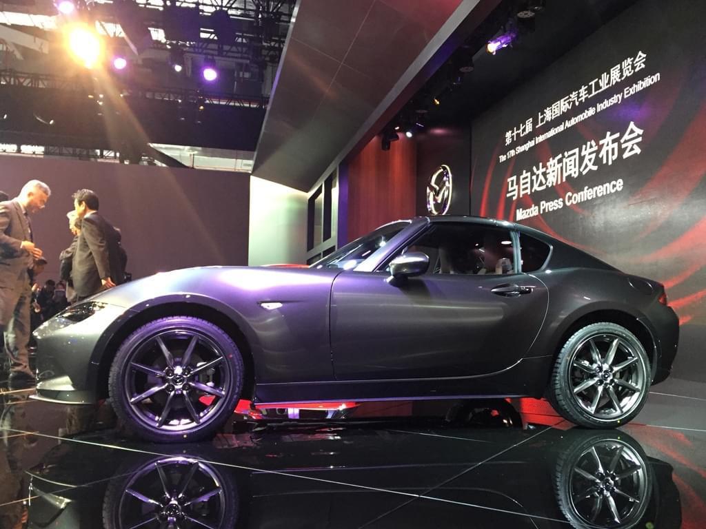 2017上海车展:马自达MX-5 RF正式亮相