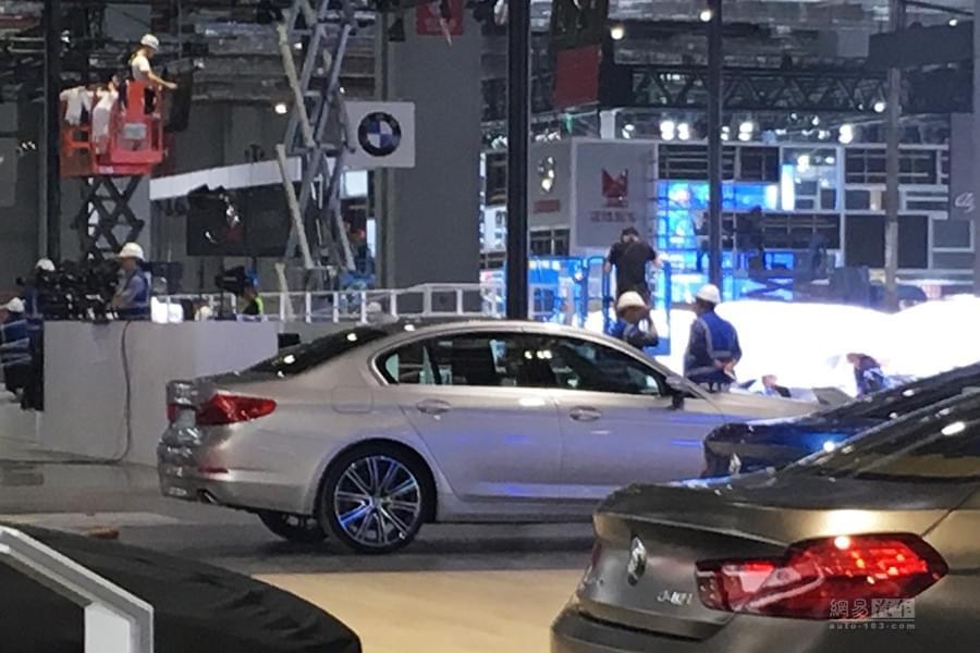2017上海车展探馆:全新宝马5系短轴版
