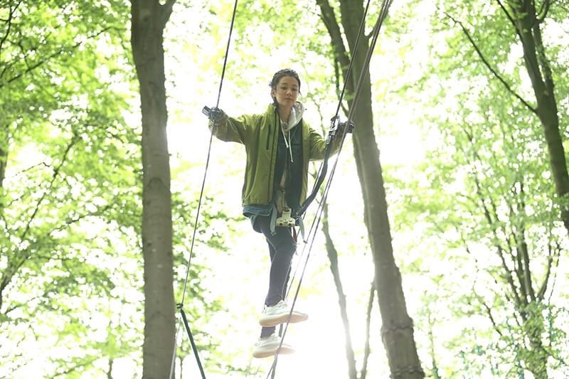 乔欣《旅途的花样》玩跳伞攀滑索挑战极限