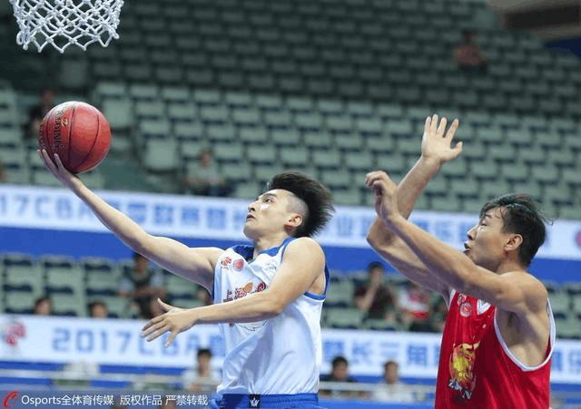 长三角挑战赛-上海男篮7分胜浙江 罗汉琛首秀15分