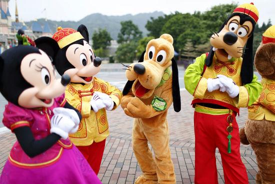 """香港迪士尼乐园呈献""""年味儿2.0""""新年俗"""