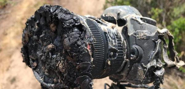 NASA摄影师拍火箭升空 单反被烤化