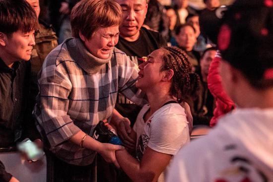 闫晓楠获得UFC首胜