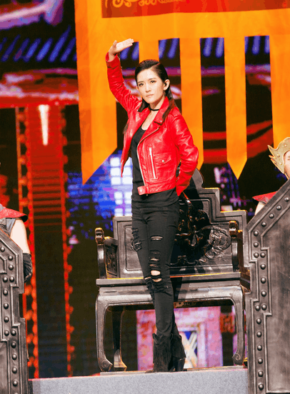 《跨界歌王》谢娜时尚范儿足 招风耳实力抢镜