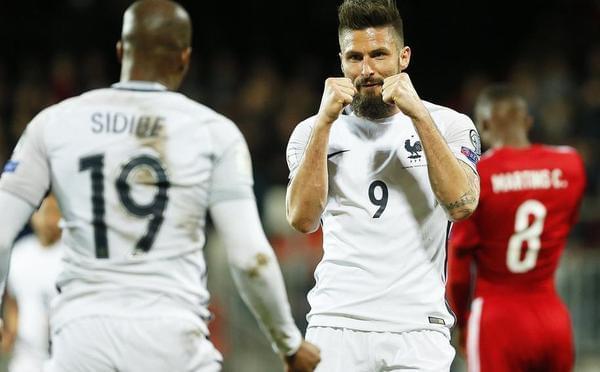 吉鲁两球格子点射 法国3-1取胜不败领跑