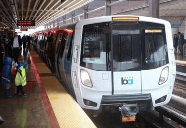 美华裔地铁清洁工加班费超十万美元 年薪堪比市长