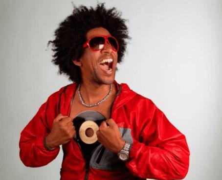 中国有嘻哈吗? 大金链子、黑墨镜算不算?