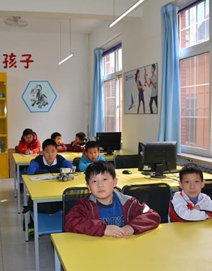 国际城小学社团建设更上一层楼