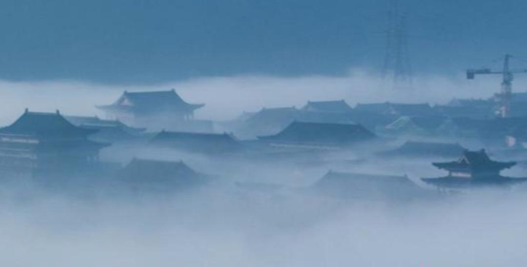 """郴州桂阳现""""平流雾"""" 古式建筑若隐若现如仙境"""