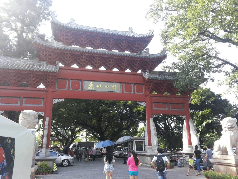 暖心!为有序旅游氛围 惠州导游兼当文明引导员