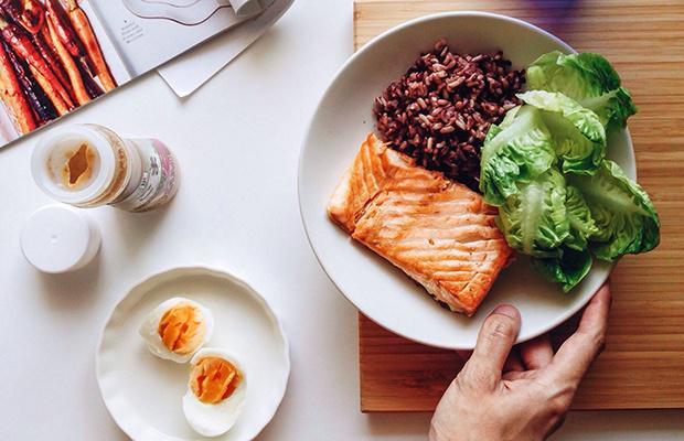 塑造肌肉不只靠锻炼 还需要这10种营养