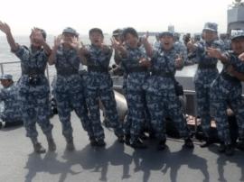 """香港大学生写给驻港军人的""""粤语情书"""""""