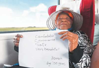 肯尼亚百岁乘客点赞蒙内铁路