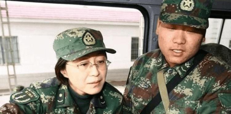 这位女将军不简单:高考状元 拿过科技进步特等奖